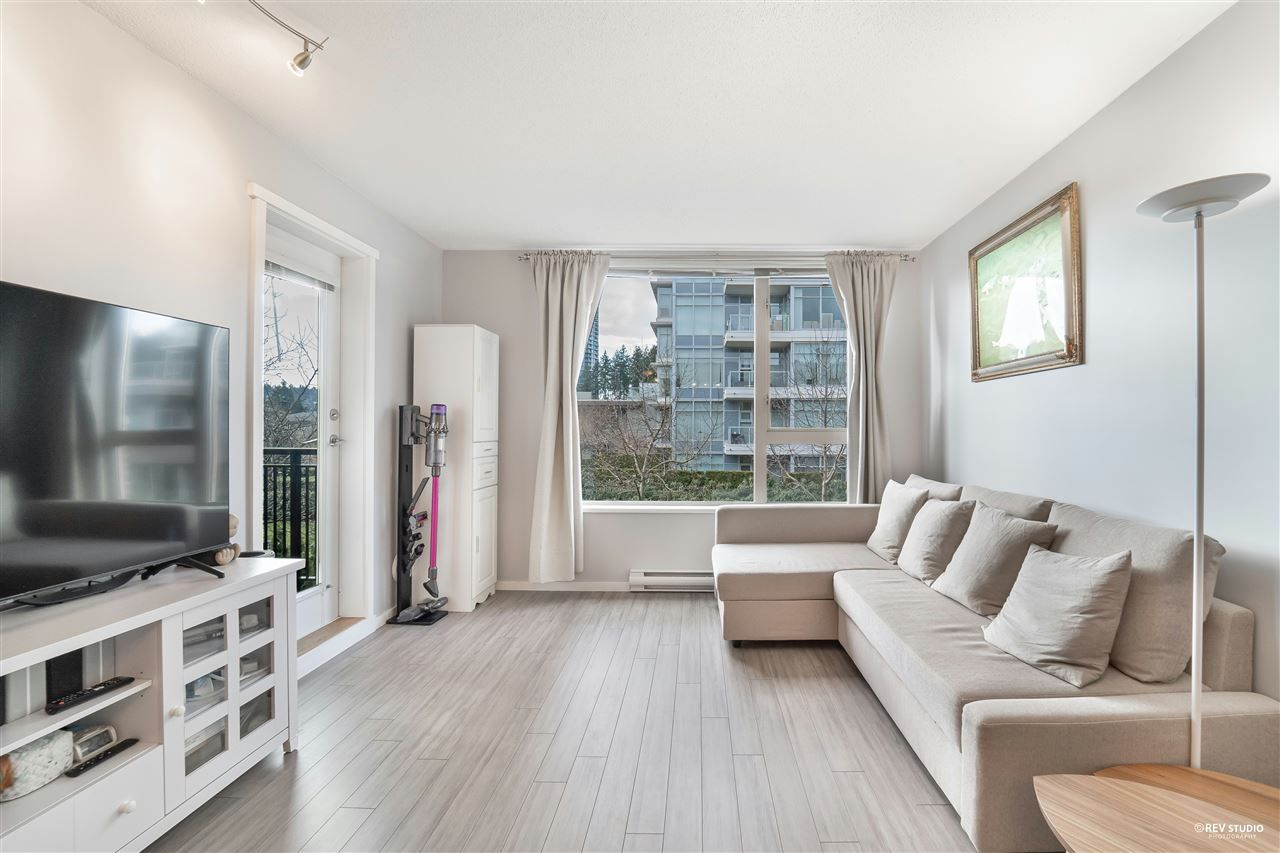 """Main Photo: 310 1128 KENSAL Place in Coquitlam: New Horizons Condo for sale in """"CALEDON HOUSE"""" : MLS®# R2543967"""