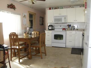 Photo 5: 14 62010 FLOOD HOPE Road in Hope: Hope Center Manufactured Home for sale : MLS®# R2495663
