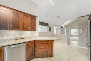 "Photo 4: 2220 PAULUS Crescent in Burnaby: Montecito House for sale in ""MONTECITO"" (Burnaby North)  : MLS®# R2129077"