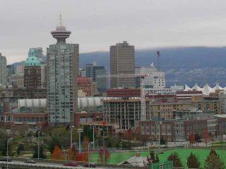 "Photo 2: 1206 120 MILROSS Avenue in Vancouver: Mount Pleasant VE Condo for sale in ""BRIGHTON"" (Vancouver East)  : MLS®# V825573"