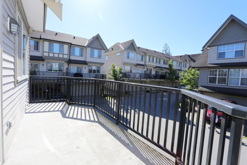 """Photo 9: Photos: 82 8089 209 Street in Langley: Willoughby Heights Townhouse for sale in """"Arborel Park"""" : MLS®# R2067787"""