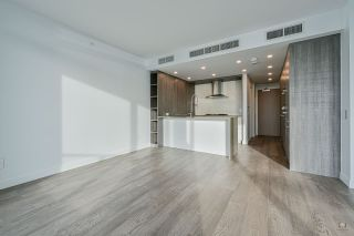 Photo 3: 312 15165 THRIFT Avenue: White Rock Townhouse for sale (South Surrey White Rock)  : MLS®# R2537091