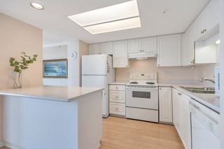 """Photo 4: 1005 719 PRINCESS Street in New Westminster: Uptown NW Condo for sale in """"Stirling Place"""" : MLS®# R2603482"""