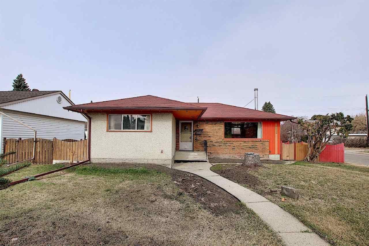 Main Photo: 9444 74 Street in Edmonton: Zone 18 House for sale : MLS®# E4260270