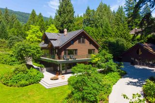 Main Photo: 3033 - 3055 MARINE Drive in West Vancouver: Altamont House for sale : MLS®# R2557048