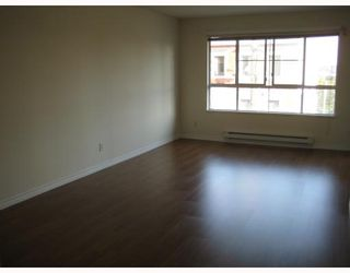"""Photo 3: 304 525 AGNES Street in New_Westminster: Downtown NW Condo for sale in """"AGNES TERRACE"""" (New Westminster)  : MLS®# V784575"""