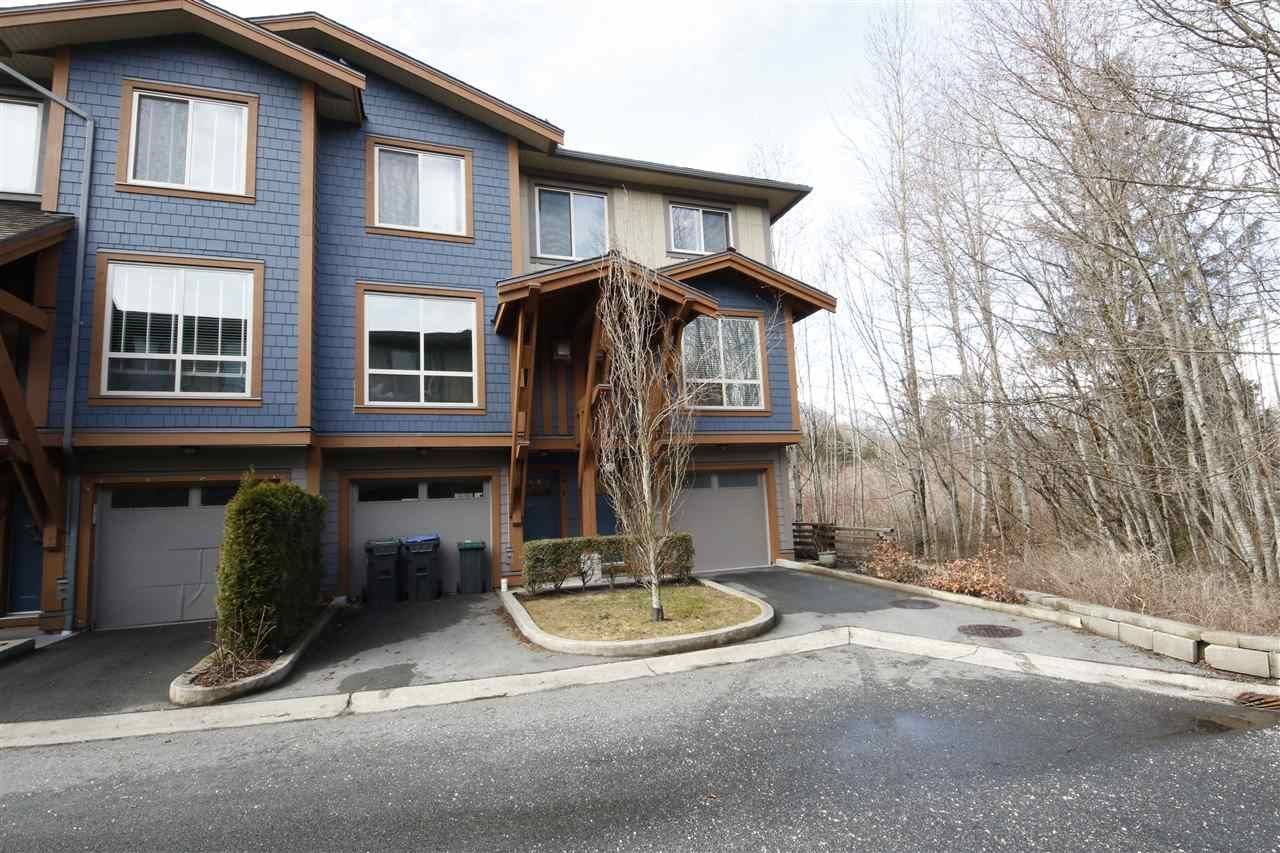 """Main Photo: 43 40653 TANTALUS Road in Squamish: Tantalus Townhouse for sale in """"TANTALUS CROSSING"""" : MLS®# R2348794"""