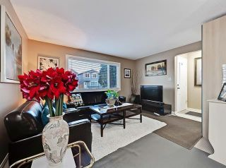 Photo 8: 2037 50 AV SW in Calgary: North Glenmore Park Duplex for sale ()  : MLS®# C4216424
