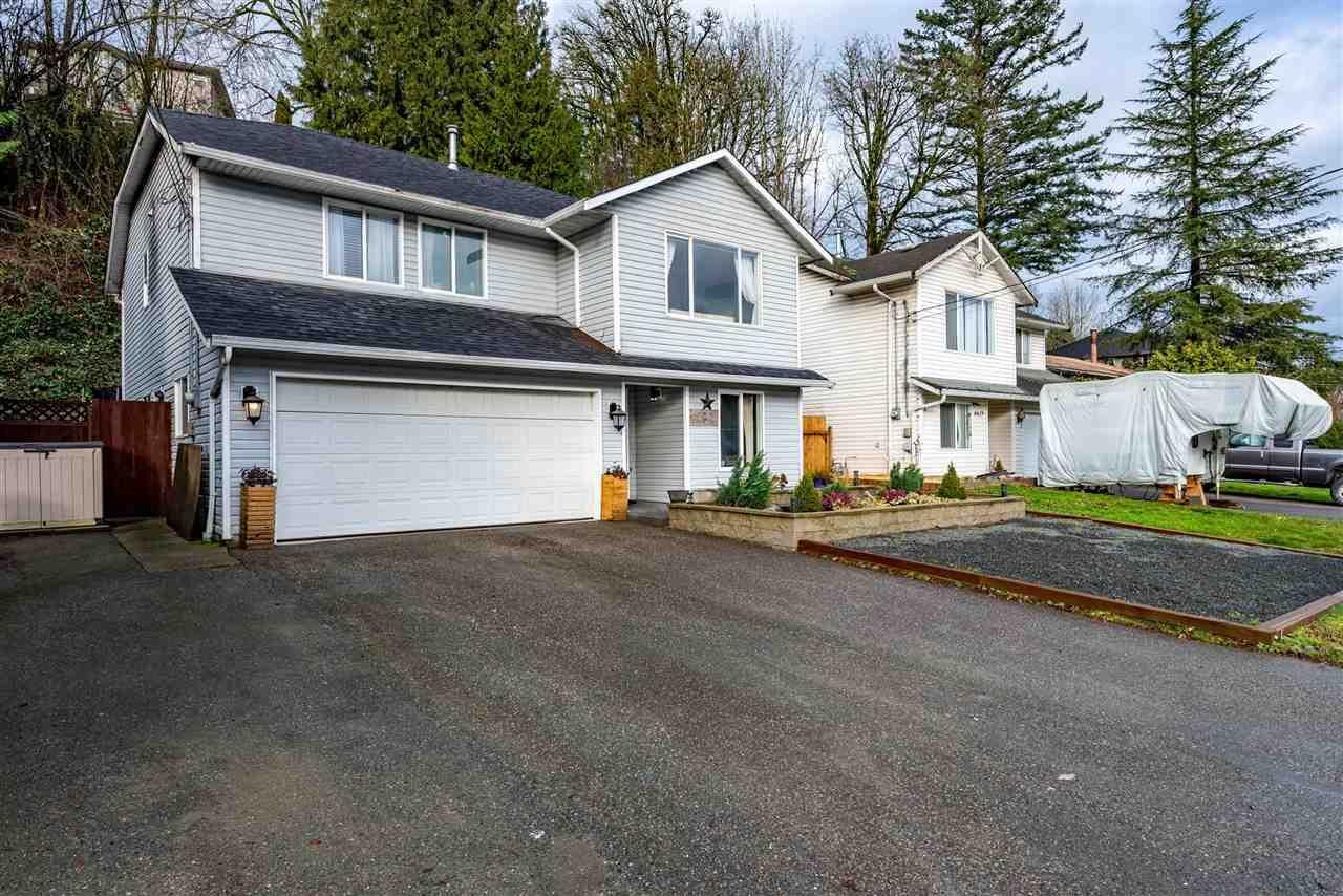 Main Photo: 8621 CHILLIWACK MOUNTAIN Road in Chilliwack: Chilliwack Mountain House for sale : MLS®# R2525932