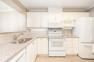 """Photo 3: 1011 12148 224 Street in Maple Ridge: East Central Condo for sale in """"Panorama"""" : MLS®# R2601212"""