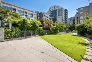 """Photo 28: 302 W 1ST Avenue in Vancouver: False Creek Townhouse for sale in """"FOUNDRY"""" (Vancouver West)  : MLS®# R2625350"""
