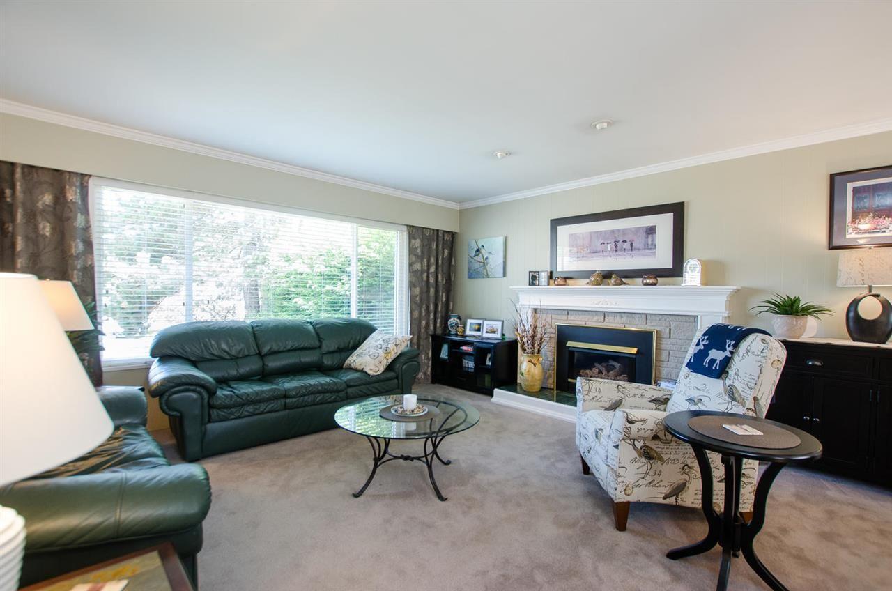 Photo 3: Photos: 5466 7B Avenue in Delta: Tsawwassen Central House for sale (Tsawwassen)  : MLS®# R2483653