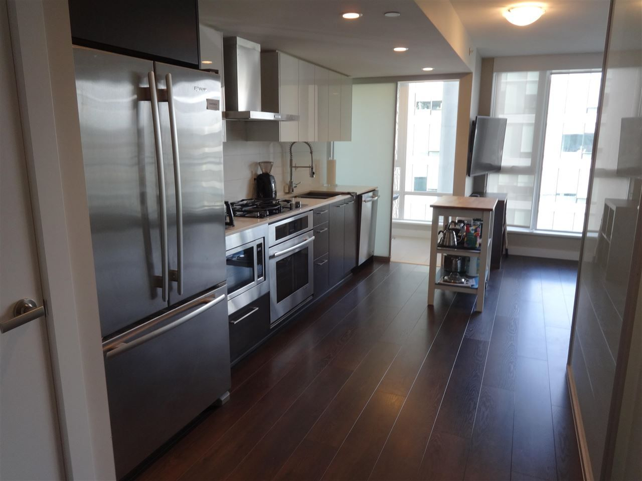 """Main Photo: 1001 1618 QUEBEC Street in Vancouver: Mount Pleasant VE Condo for sale in """"CENTRAL"""" (Vancouver East)  : MLS®# R2586251"""