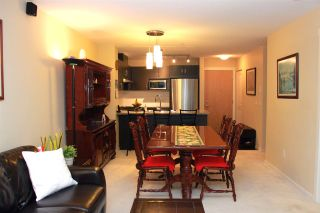 """Photo 3: 319 3050 DAYANEE SPRINGS Boulevard in Coquitlam: Westwood Plateau Condo for sale in """"BRIDGES BY POLYGON"""" : MLS®# R2024721"""
