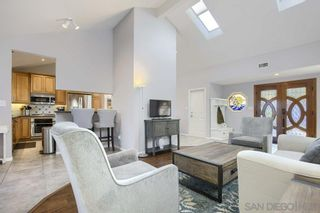 Photo 5: SAN CARLOS House for sale : 4 bedrooms : 8711 Robles Dr in San Diego