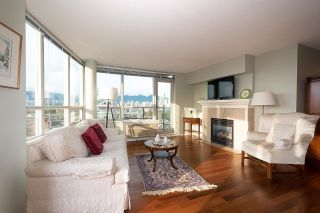 """Photo 4: 1000 1570 W 7TH Avenue in Vancouver: Fairview VW Condo for sale in """"Terraces on 7th"""" (Vancouver West)  : MLS®# R2624215"""