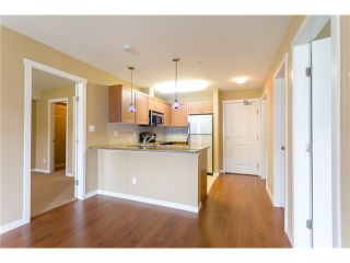 """Photo 8: 306 2373 ATKINS Avenue in Port Coquitlam: Central Pt Coquitlam Condo for sale in """"CARMANDY"""" : MLS®# V1069079"""