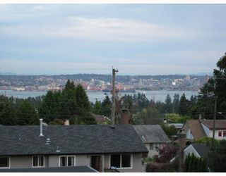Photo 10: 225 W KINGS Road in North_Vancouver: Upper Lonsdale House for sale (North Vancouver)  : MLS®# V669760