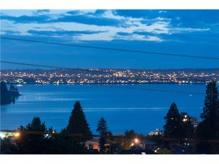 Photo 2: 1136 Mathers Av in West Vancouver: Ambleside House for sale : MLS®# V1090869