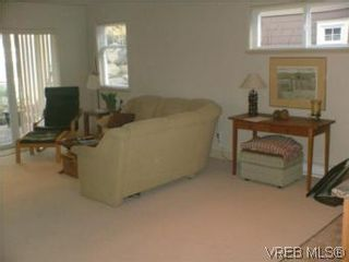 Photo 14: 2 1100 Tulip Ave in VICTORIA: SW Strawberry Vale Row/Townhouse for sale (Saanich West)  : MLS®# 505907