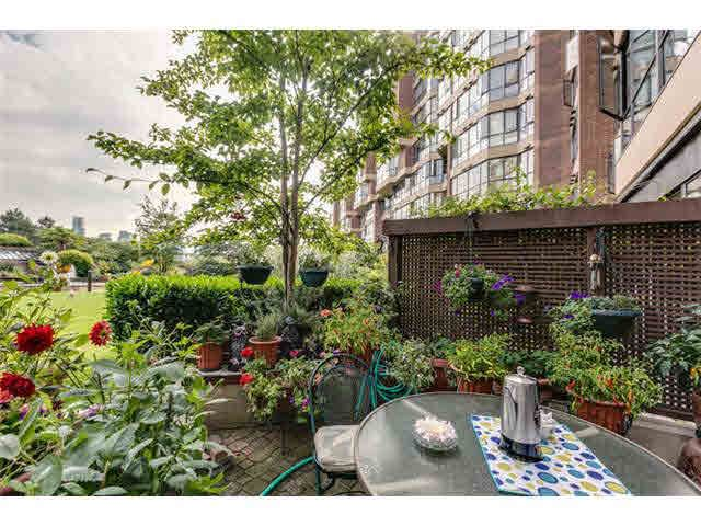 """Photo 15: Photos: G02 1470 PENNYFARTHING Drive in Vancouver: False Creek Condo for sale in """"Harbour Cove"""" (Vancouver West)  : MLS®# V1081390"""