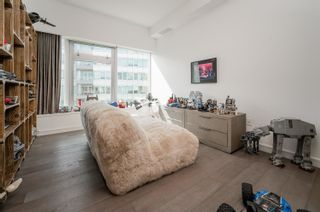 """Photo 17: 701 151 ATHLETES Way in Vancouver: False Creek Condo for sale in """"CANADA HOUSE ON THE WATER"""" (Vancouver West)  : MLS®# R2617164"""