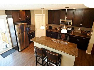 Photo 5: 14 COUNTRY VILLAGE Gate NE in CALGARY: Country Hills Village Townhouse for sale (Calgary)  : MLS®# C3578013