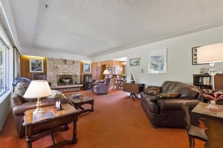 Photo 2: 2314 ROSEDALE Drive in Vancouver: Fraserview VE House for sale (Vancouver East)  : MLS®# R2569771