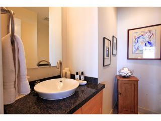 Photo 12: 8683 SEASCAPE Drive in West Vancouver: Howe Sound Townhouse for sale : MLS®# V1042372