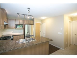 Photo 4: 511 3050 DAYANEE SPRINGS BL Boulevard in Coquitlam: Westwood Plateau Condo for sale : MLS®# V1124098