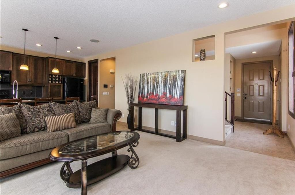 Photo 8: Photos: 21 CRANBERRY Cove SE in Calgary: Cranston House for sale : MLS®# C4164201
