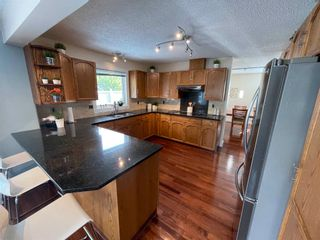 Photo 11: 376 Ormsby Road in Edmonton: Zone 20 House for sale : MLS®# E4255674