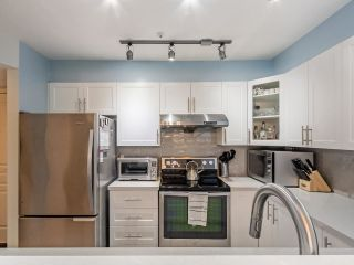 """Photo 11: 203 789 W 16TH Avenue in Vancouver: Fairview VW Condo for sale in """"SIXTEEN WILLOWS"""" (Vancouver West)  : MLS®# R2591113"""