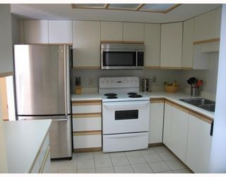 """Photo 4: 1204 1135 QUAYSIDE Drive in New Westminster: Quay Condo for sale in """"ANCHOR POINTE"""" : MLS®# V796798"""