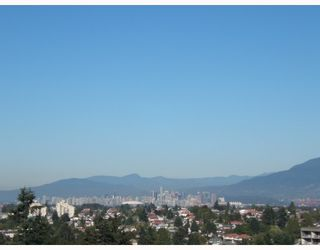 """Photo 2: 1204 5790 PATTERSON Avenue in Burnaby: Metrotown Condo for sale in """"""""THE REGENT"""""""" (Burnaby South)  : MLS®# V786618"""