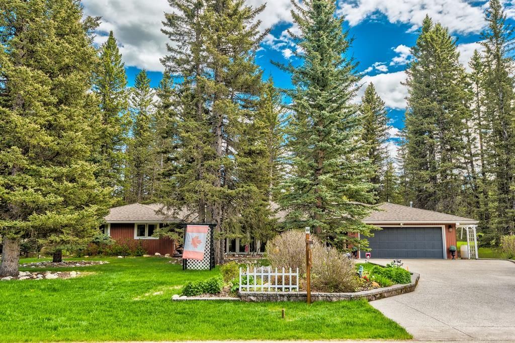 Main Photo: 48 Wolf Drive in Rural Rocky View County: Rural Rocky View MD Detached for sale : MLS®# A1126546
