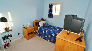 Photo 14: Canterbury Park family home