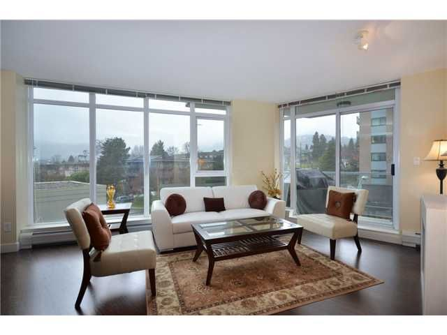 "Main Photo: 402 175 W 2ND Street in North Vancouver: Lower Lonsdale Condo for sale in ""VENTANA"" : MLS®# V933531"