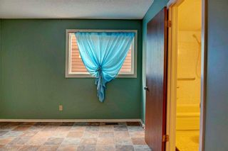 Photo 21: 543 WOODPARK Crescent SW in Calgary: Woodlands House for sale : MLS®# C4136852