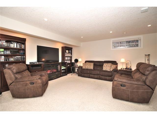 Photo 41: Photos: 30 EVERHOLLOW Heath SW in Calgary: Evergreen House for sale : MLS®# C4068362