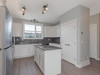 Photo 5: 56 SKYVIEW Circle NE in Calgary: Skyview Ranch Row/Townhouse for sale : MLS®# C4201040