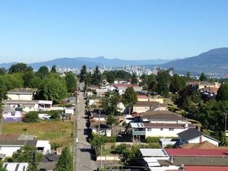 """Photo 1: 1108 3455 ASCOT Place in Vancouver: Collingwood VE Condo for sale in """"QUEEN'S COURT"""" (Vancouver East)  : MLS®# R2242804"""