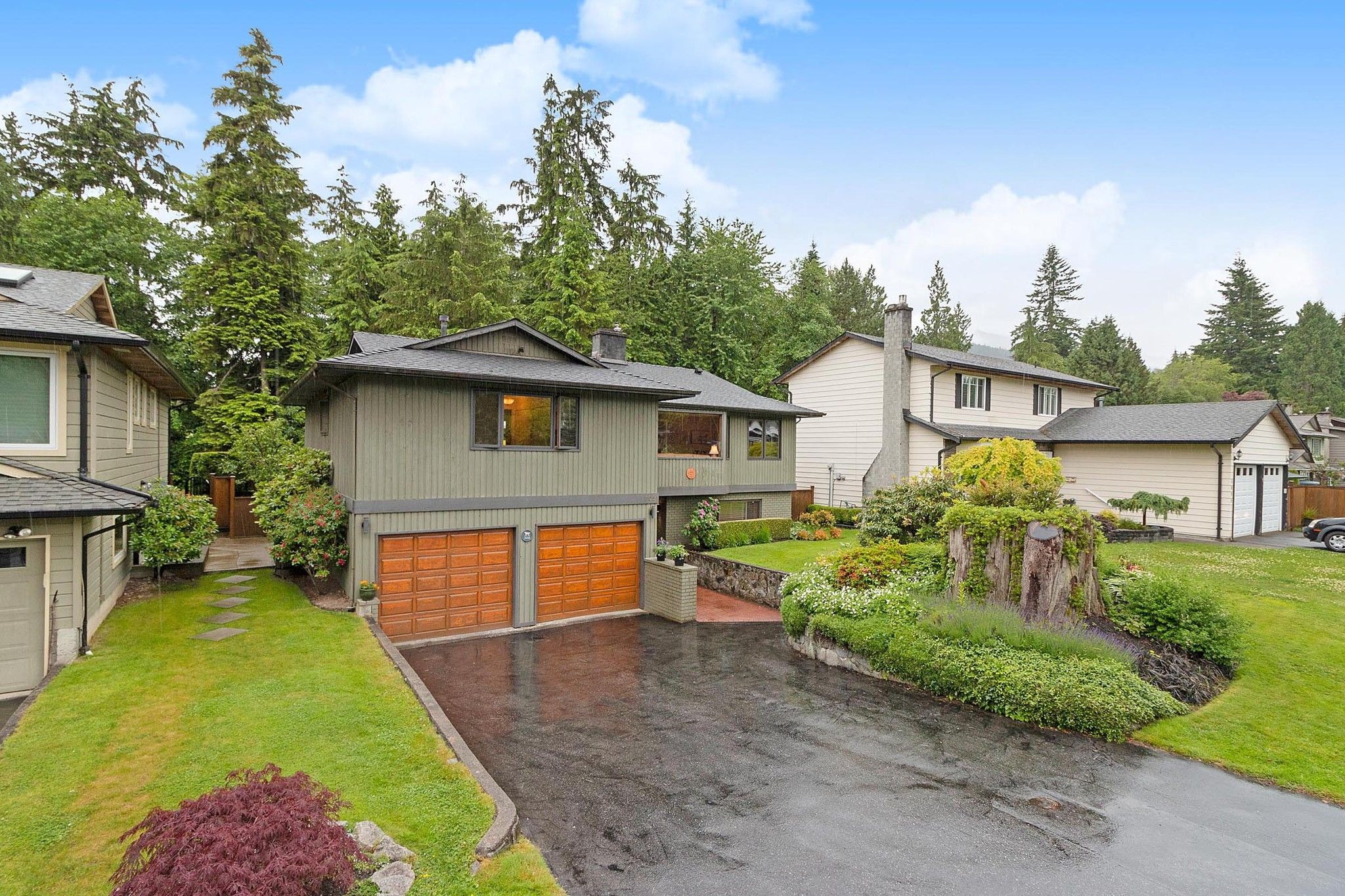 """Main Photo: 3091 HOSKINS Road in North Vancouver: Lynn Valley House for sale in """"Lynn Valley"""" : MLS®# R2465736"""
