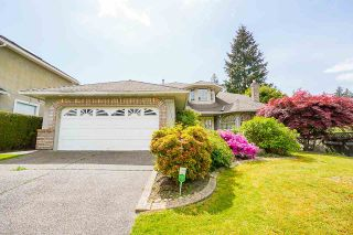 """Photo 2: 12428 63A Avenue in Surrey: Panorama Ridge House for sale in """"Boundary Park"""" : MLS®# R2577926"""