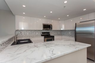 """Photo 12: 1905 1128 QUEBEC Street in Vancouver: Mount Pleasant VE Condo for sale in """"THE NATIONAL"""" (Vancouver East)  : MLS®# R2232561"""