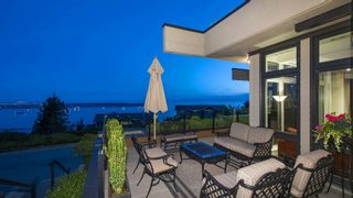 "Main Photo: 2551 HIGHGROVE Mews in West Vancouver: Whitby Estates Townhouse for sale in ""The Terraces"" : MLS®# R2259874"