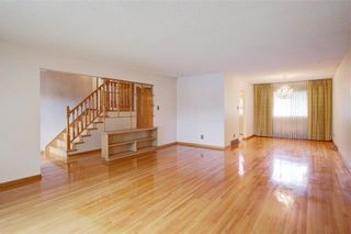 Photo 11: 2728 LIONEL Crescent SW in Calgary: Lakeview Detached for sale : MLS®# C4303178