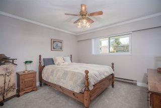 """Photo 17: 4264 ATLEE Avenue in Burnaby: Deer Lake Place House for sale in """"DEER LAKE PLACE"""" (Burnaby South)  : MLS®# R2571453"""