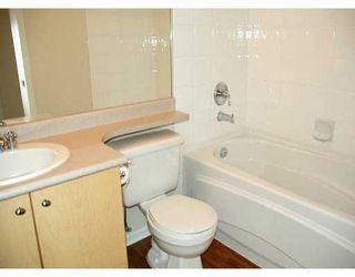 "Photo 6: 417 3122 ST JOHNS ST in Port Moody: Port Moody Centre Condo for sale in ""SONRISA"" : MLS®# V589277"