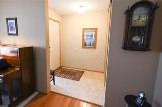 Photo 3: 98 Aldgate Road in Winnipeg: River Park South Residential for sale (2F)  : MLS®# 202112709
